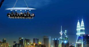 رستورانی خاص در مالزی، معلق در میان زمین و آسمان