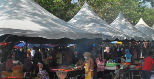 تعطیلی همه بازارهای رمضانی در مالزی