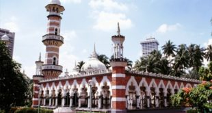 مسجد «جامک»؛ جاذبهای توریستی در قلب کوالالامپور