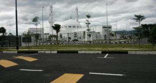 «مسجد حسین» یکی از مساجد مدرن مالزی