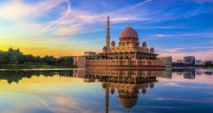 «پوترا»؛ مسجدی با معماری ایرانی-اسلامی در میانه آب