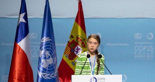 """یک نوجوان رهبران جهان را به """"اقدامات تبلیغاتی"""" متهم کرد"""