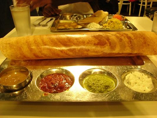 Dosai_Chutney_Hotel_Saravana_Bhavan
