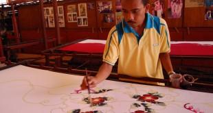 باتیک یک سوغاتی زیبا از مالزی برای دوستداران هنر و صنایع دستی