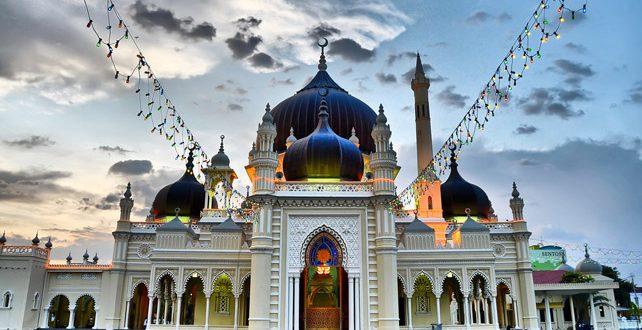 اجازه بازگشایی ۸ مسجد در «نگری سمبیلان» مالزی ار امروز  صادر شد