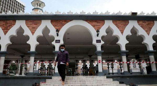 مساجد و مدارس مالزی تعطیل شدند