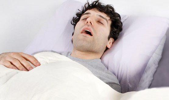 اگر در خواب خِرخِر می کنید، نگران Covid-19 باشید