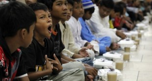 رسوم استقبال از ماه رمضان در مالزی