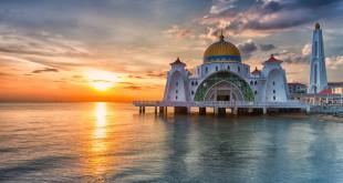 """مسجد """"گذرگاه آبی"""" ملاکا، پیوند هنر مالایی و آسیای شرقی"""