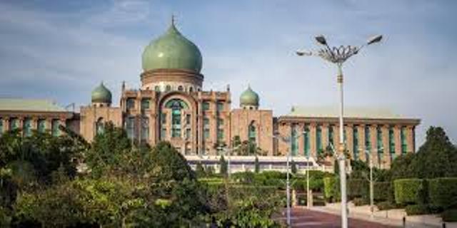 گام های فدرالیسم در مالزی، نگاهی به نظام سیاسی و قدرت اجرایی