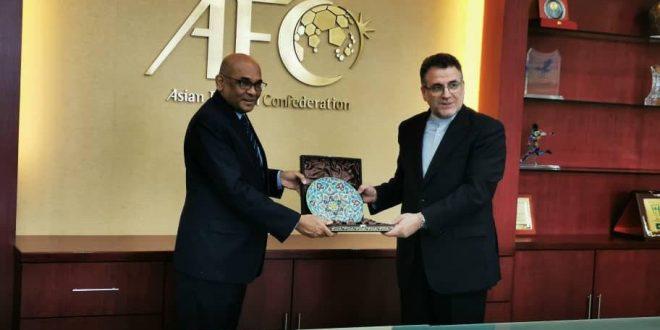دیدار سفیر کشورمان در مالزی با دبیر کل کنفدراسیون فوتبال آسیا(AFC)